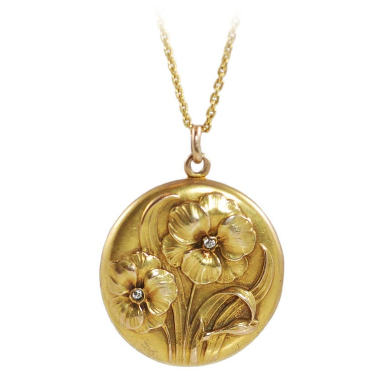 Art Nouveau Diamond Yellow Gold Floral Design Locket