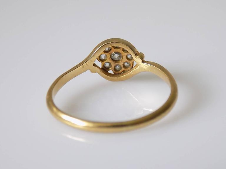 18K Antique Edwardian Old European Cut Diamond Gold Daisy Ring In Excellent Condition For Sale In Boston, Lincolnshire