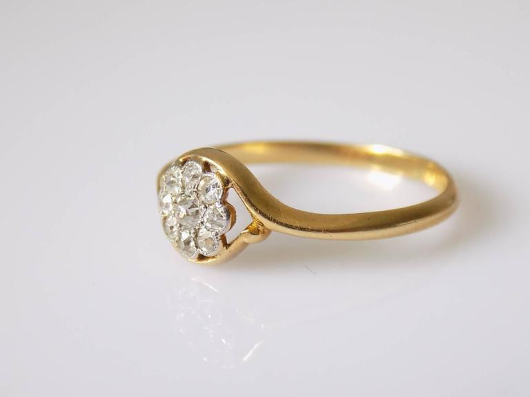 Women's 18K Antique Edwardian Old European Cut Diamond Gold Daisy Ring For Sale