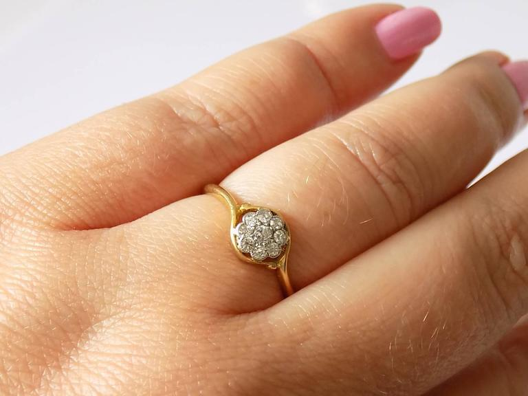 18K Antique Edwardian Old European Cut Diamond Gold Daisy Ring For Sale 2
