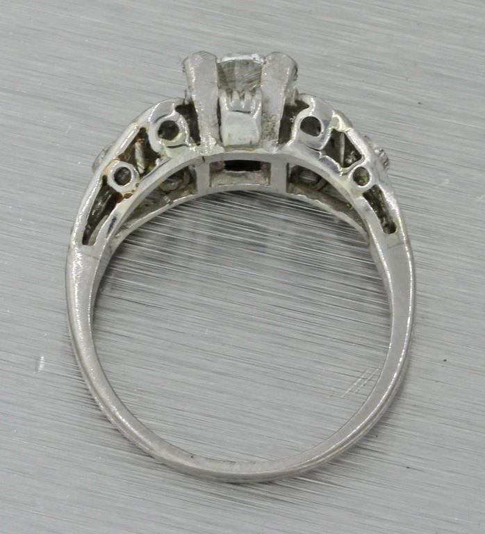 1930s Art Deco 1.14 Carat Diamond Platinum Cluster Engagement Ring EGL 4