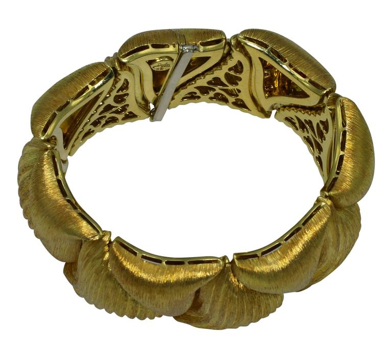 Women's or Men's Henry Dunay Textured Gold Link Bracelet For Sale