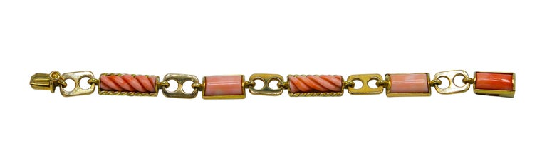 1970s Italian Pink Coral and Gold Bracelet In Excellent Condition For Sale In Miami, FL