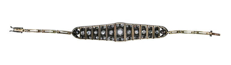 Late Victorian Victorian Platinum-Topped Gold and Diamond Bracelet For Sale
