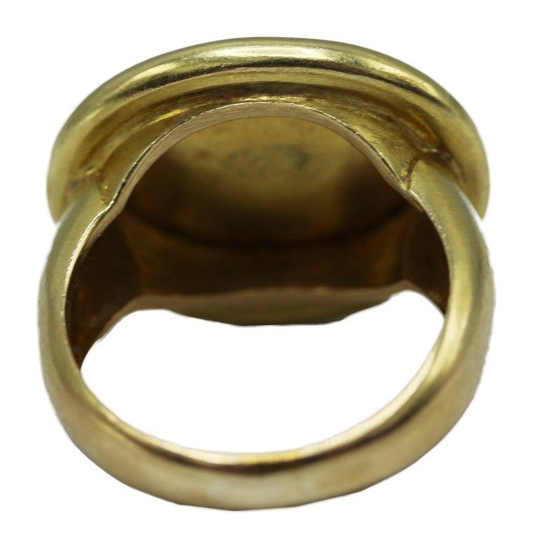 Elizabeth Locke Gold Sphinx Ring In Excellent Condition For Sale In Miami, FL