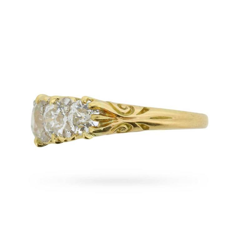 Late Victorian 1.90 Carat Five Stone Old Cut Diamond Gold Ring circa 1900s 3