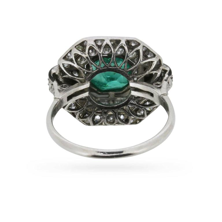 Vintage Emerald, Diamond and Black Enamel Cluster Ring, circa 1950s In Excellent Condition For Sale In London, GB