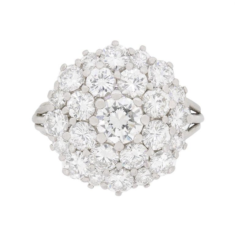 Vintage Diamond Cluster Ring, circa 1970s For Sale