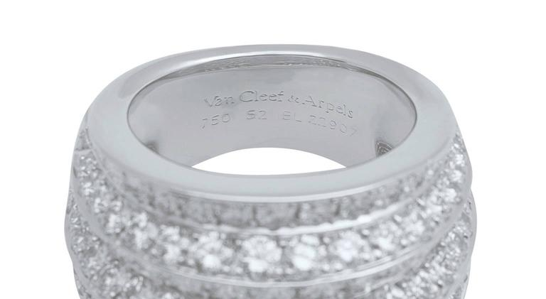 Women's or Men's Van Cleef & Arpels Diamond White Gold Cocktail Ring For Sale