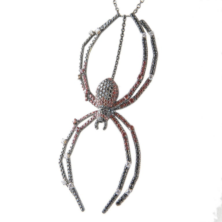 Round Cut 18 Karat Gold Diamond Spider Necklace For Sale