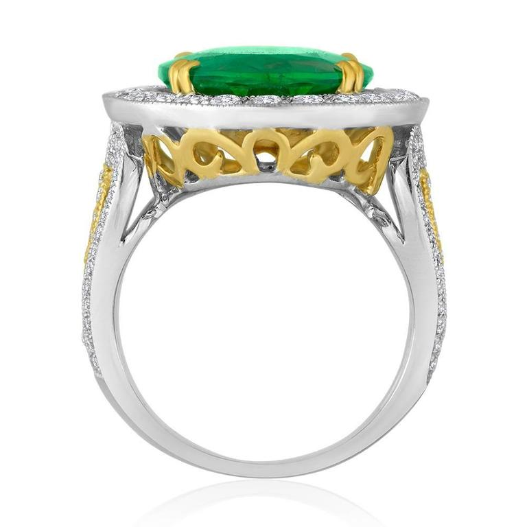 Modern GIA Certified 9.01 Carat Oval Emerald Diamond Two Color Gold Ring For Sale