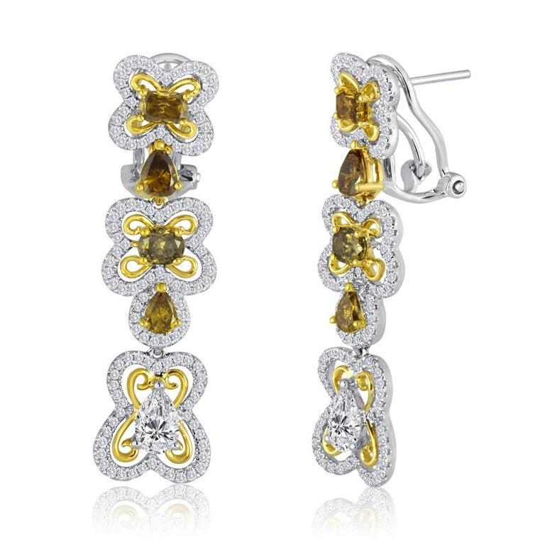 Natural Multi-Color Diamond Two Color Gold Dangling Lever Back Earring In Excellent Condition For Sale In NEW YORK, NY