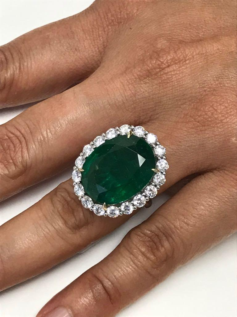 GIA Certified 19.78 Carat Zambian Emerald Diamond Halo Two Color Gold Ring For Sale 4