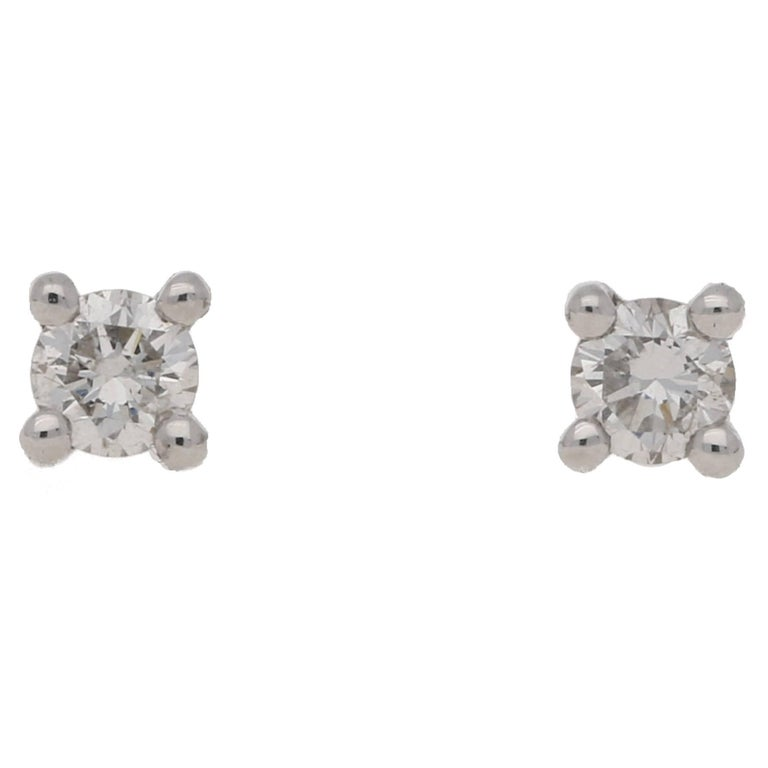 18 Karat White Gold Diamond Stud Earrings