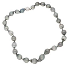 Tahitian Pearl 18 Karat Gold Necklace