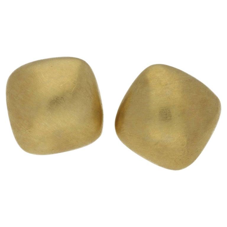 18 Karat Gold Matt Finish Cushion Earrings