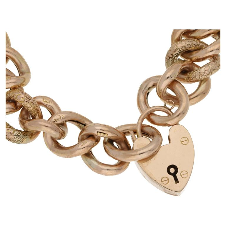 A classic vintage 9k hallmarked gold charm bracelet, with a fabulous detailed engraving effect on some of the links. It measures approx 7 inches in length. It is in great condition, and ready to wear. Comes in a beautiful Susannah Lovis presentation
