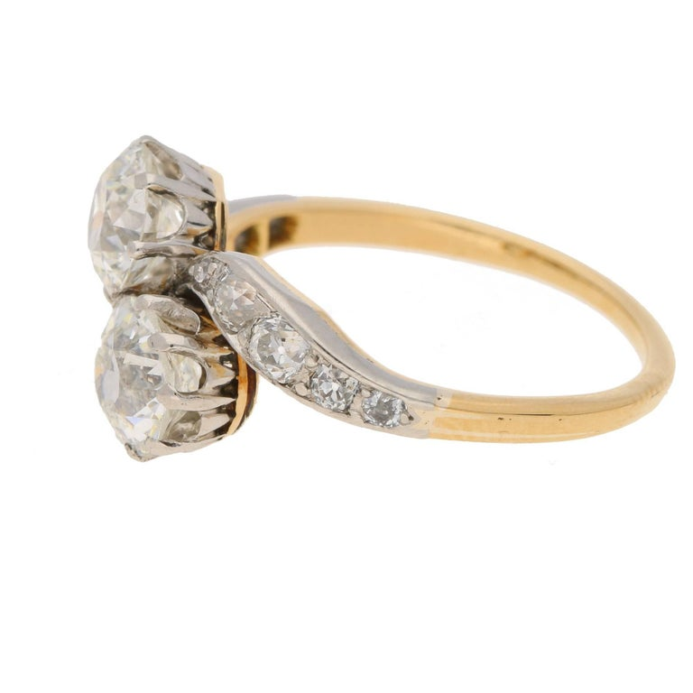Edwardian Two Stone Twist Diamond Engagement Ring In Excellent Condition For London