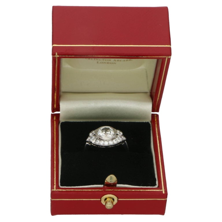 Old European Cut Diamond Cluster Engagement Ring In Excellent Condition For Sale In London, GB