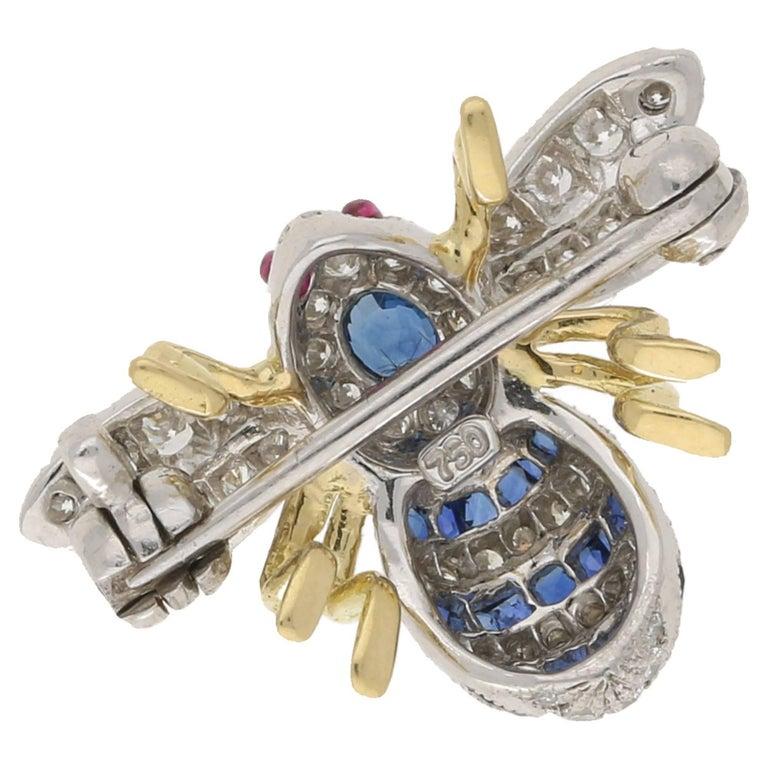 Women's or Men's 18 Karat Gold Sapphire Diamond Bee Brooch For Sale