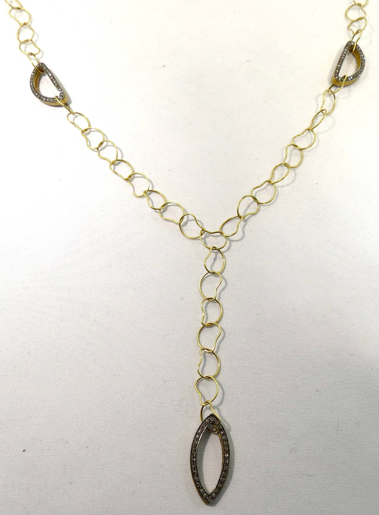 Jona Paisley 18 Karat Yellow Gold Diamond Necklace In New Condition For Sale In Torino, IT