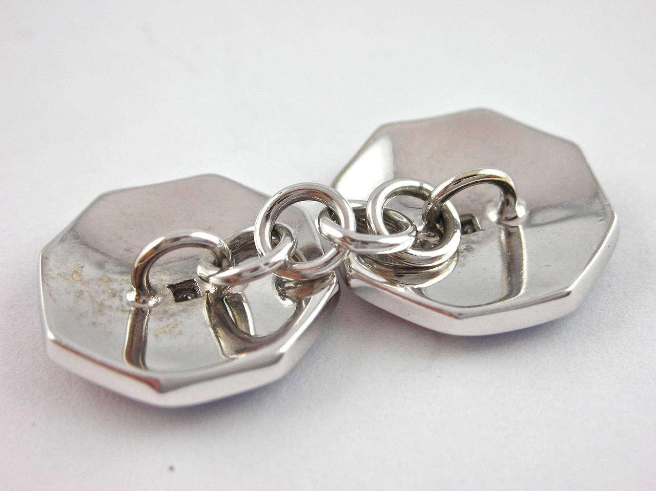Jona Octagonal Enamel White Diamond 18 Karat White Gold Cufflinks In New Condition For Sale In Torino, IT