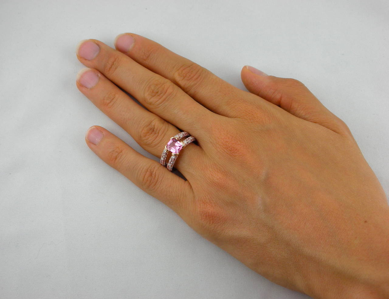 Jona Pink Spinel Pink Sapphire White Diamond 18 Karat Rose Gold Ring In New Condition For Sale In Torino, IT