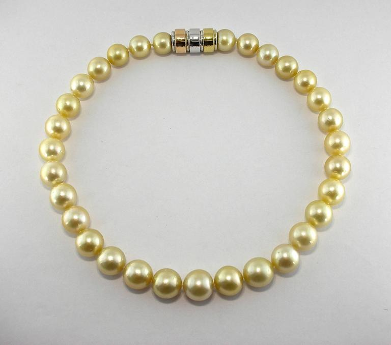 Golden South Sea Pearl Necklace In As New Condition For Sale In Torino, IT