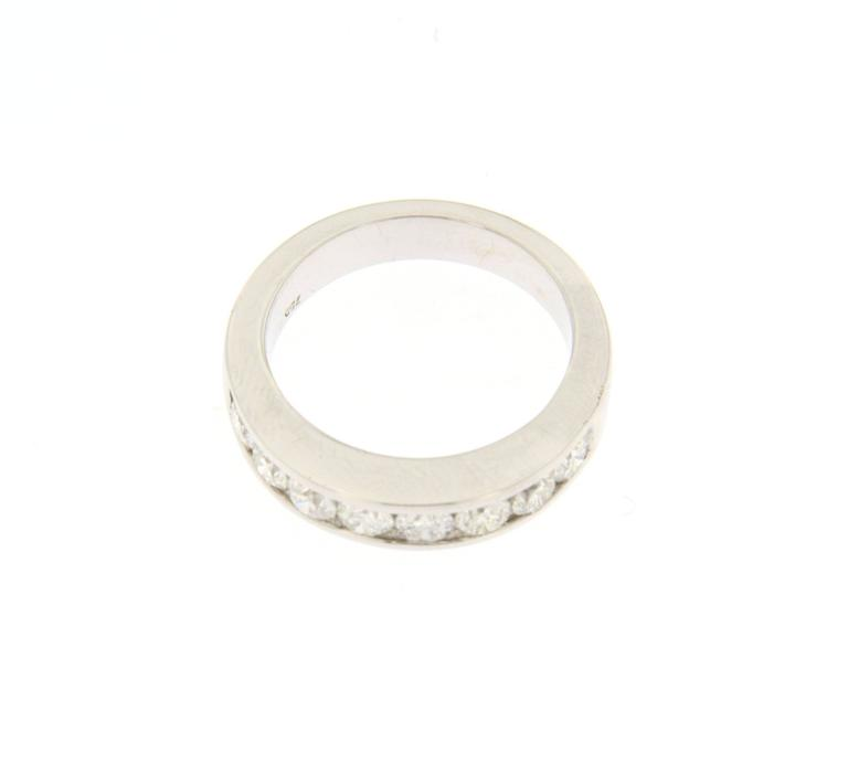 Jona design collection, hand crafted in Italy, 18 karat white gold band ring, featuring 1.50 carats of white diamonds, G color, VVS1 Clarity.   Size US 6.3, can be sized to any specification.   All Jona jewelry is new and has never been previously