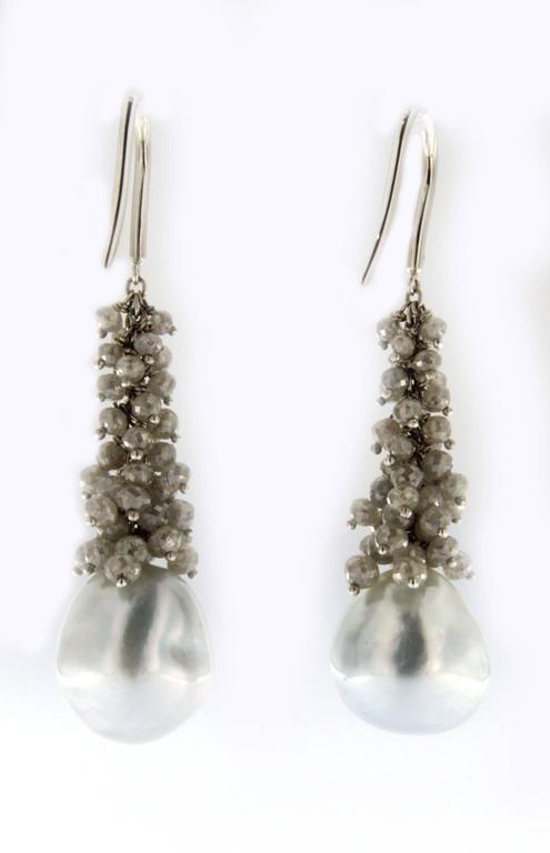 Jona Baroque Tahitian Pearl Diamond Gold Dangle Earrings In As new Condition For Sale In Torino, IT