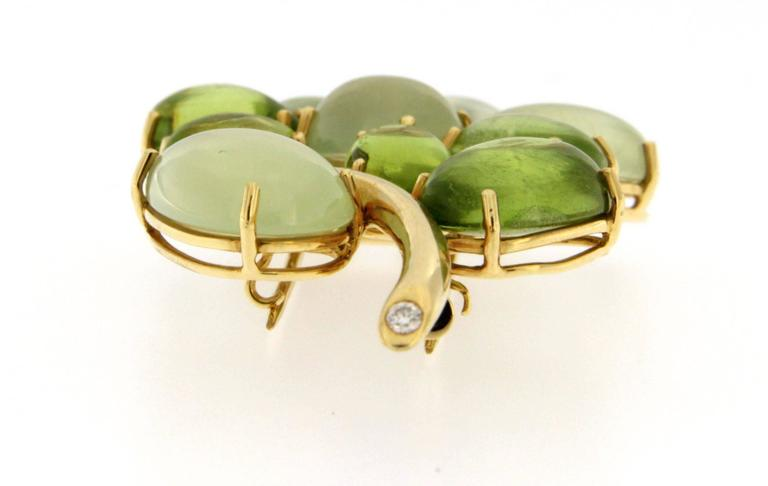 Jona Peridot Prehnite 18 Karat Yellow Gold Brooch In New Condition For Sale In Torino, IT