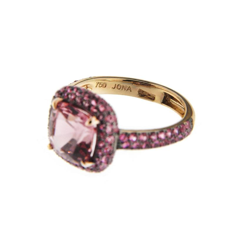 Women's Jona Pink Spinel Pink Sapphire 18 Karat Rose Gold Ring For Sale