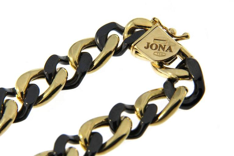 Contemporary Jona High-Tech Black Ceramic 18 Karat Yellow Gold Curb-Link Bracelet For Sale