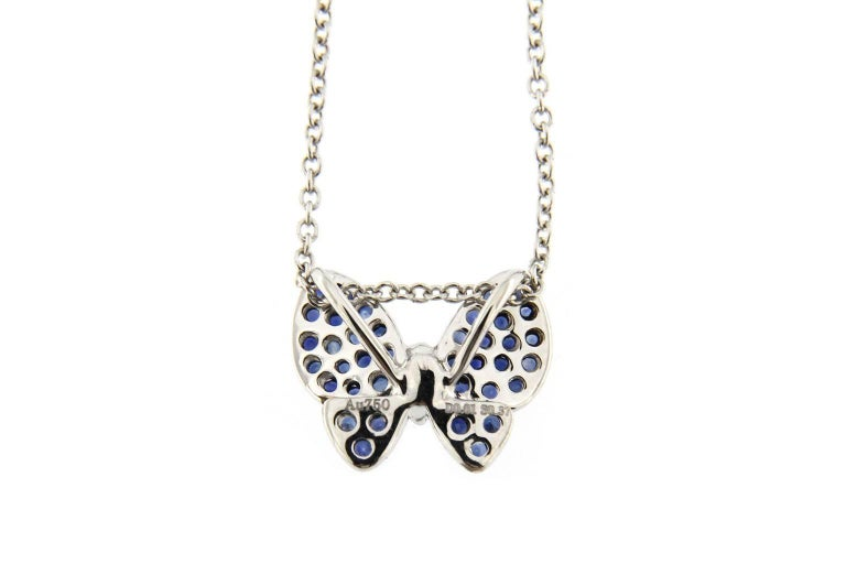 Jona Blue Sapphire White Diamond 18 Karat White Gold Butterfly Pendant Necklace In New Condition For Sale In Torino, IT