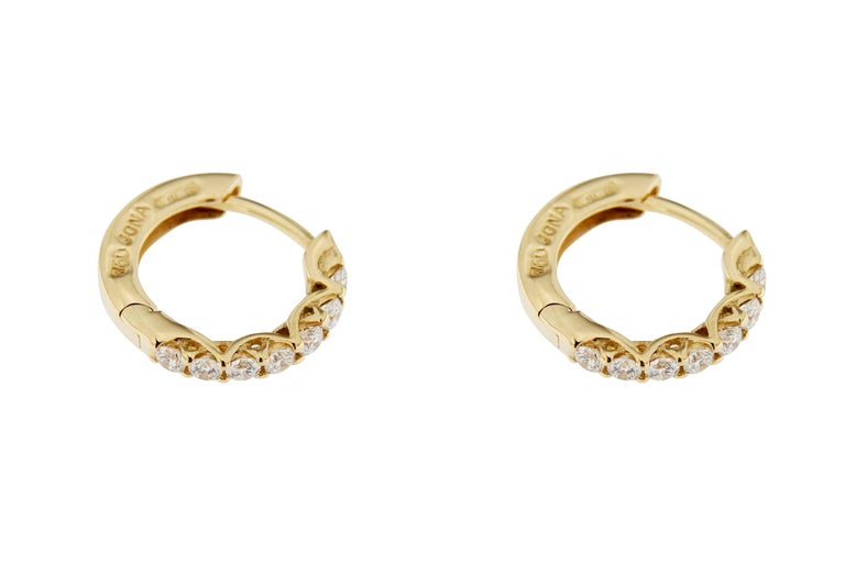 Jona White Diamond 18 Karat Yellow Gold Small Hoop Earrings In New Condition For Sale In Torino, IT