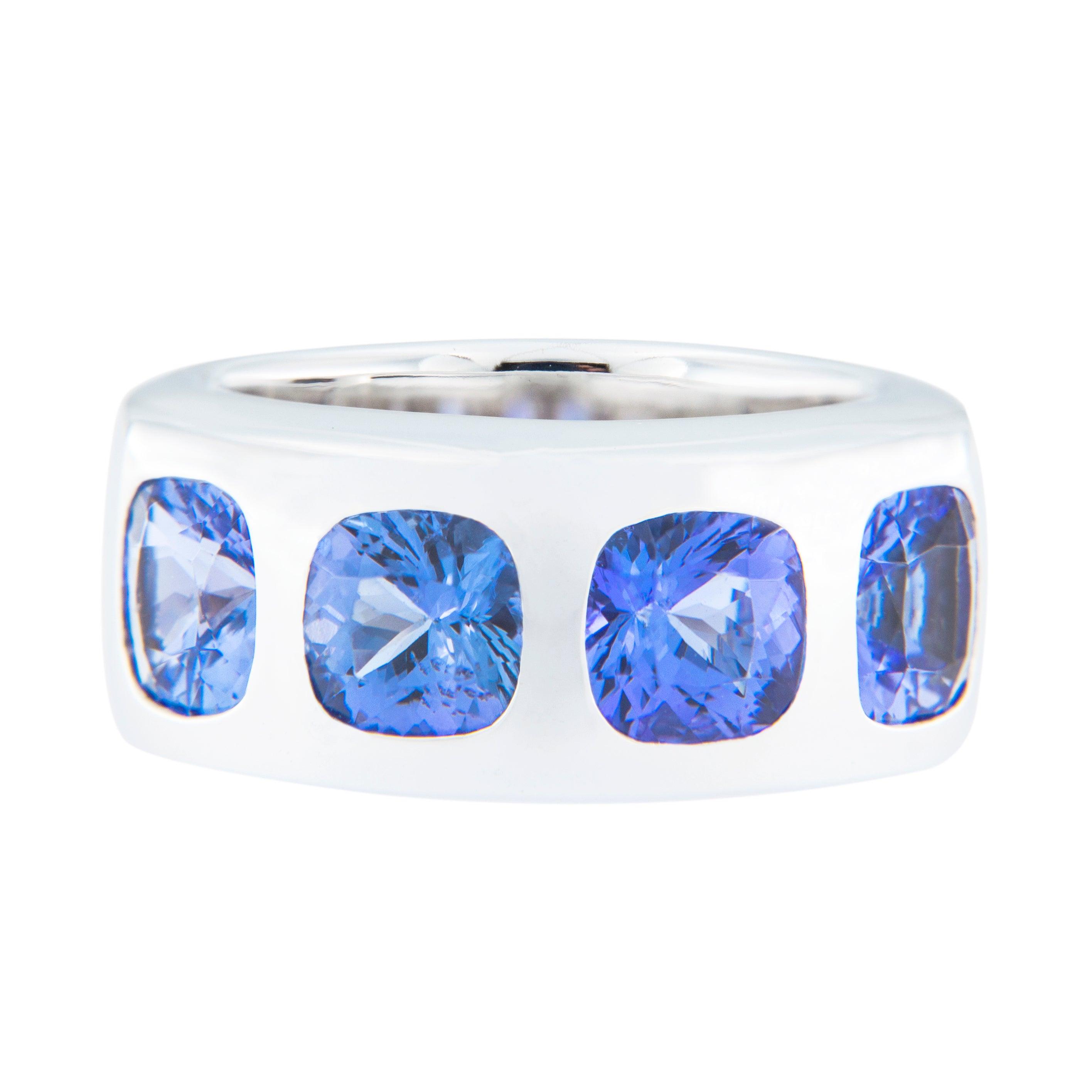 Jona Tanzanite 18 Karat White Gold Band Ring