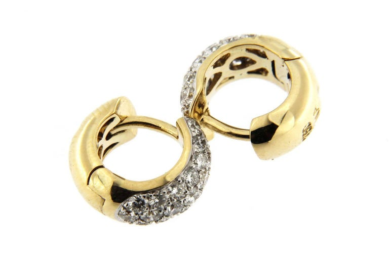 Jona 18 Karat Yellow Gold White Diamond Small Hoop Earrings In New Condition For Sale In Torino, IT