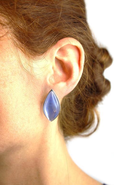 Jona Lapis Lazuli Quartz Mother of Pearl 18 Karat White Gold Stud Earrings For Sale 1