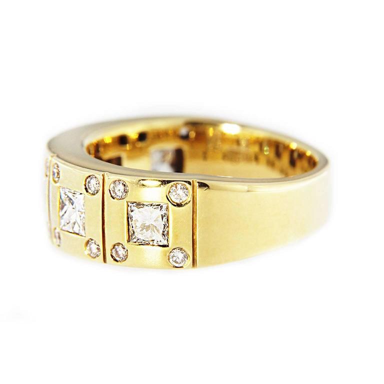 Women's Jona White Diamond 18k Yellow Gold Band Ring For Sale