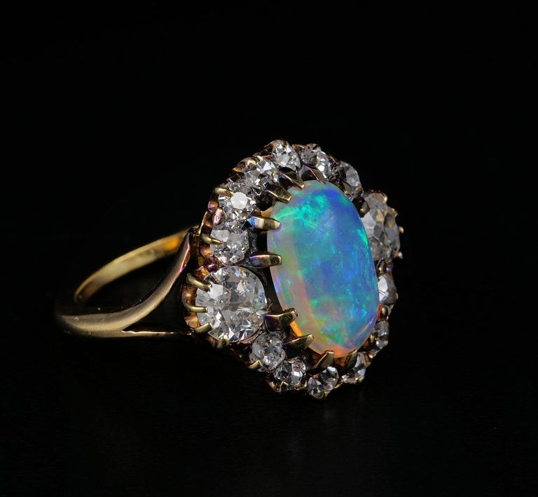Victorian Natural Opal 1.80 Carat Old Mine Diamond Ring In Good Condition For Sale In Napoli, IT