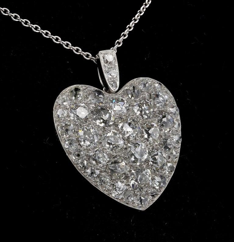 Platinum Edwardian 6.0 Carat Mine Cut Diamond Rare Sentimental Heart Necklace In Good Condition For Sale In Napoli, IT