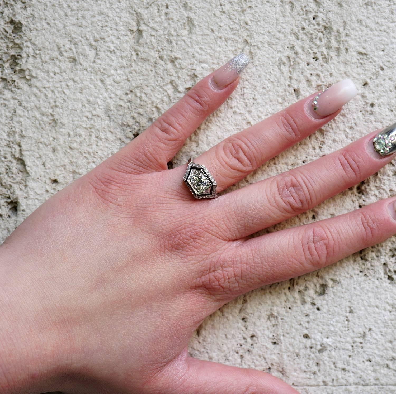 Art Deco 1.60 Carat Diamond Onyx Insert Platinum Solitaire Ring For ...