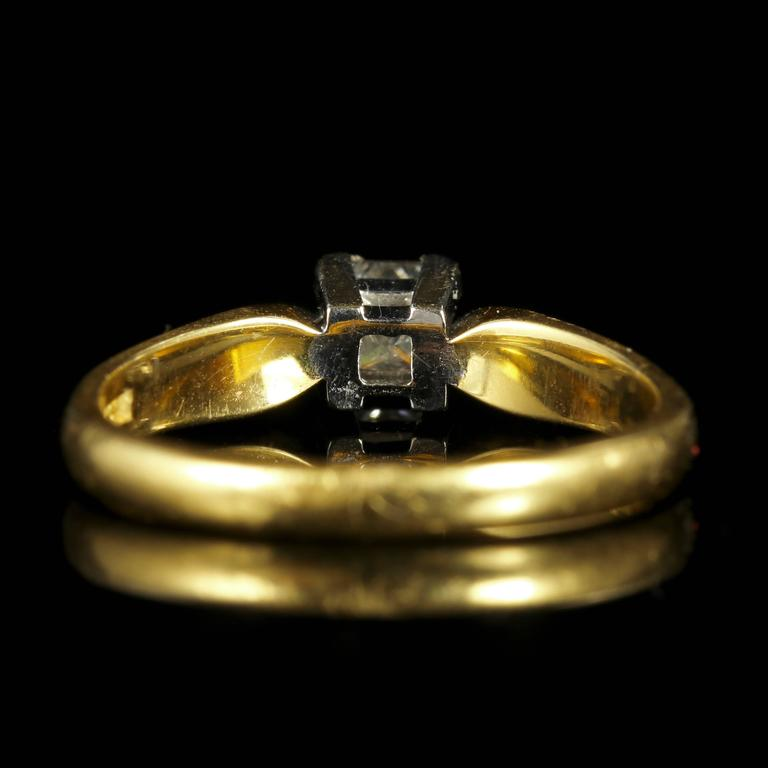 Princess Cut Diamond Solitaire Ring Engagement Ring 18 Carat Gold In Excellent Condition For Sale In Lancaster, GB