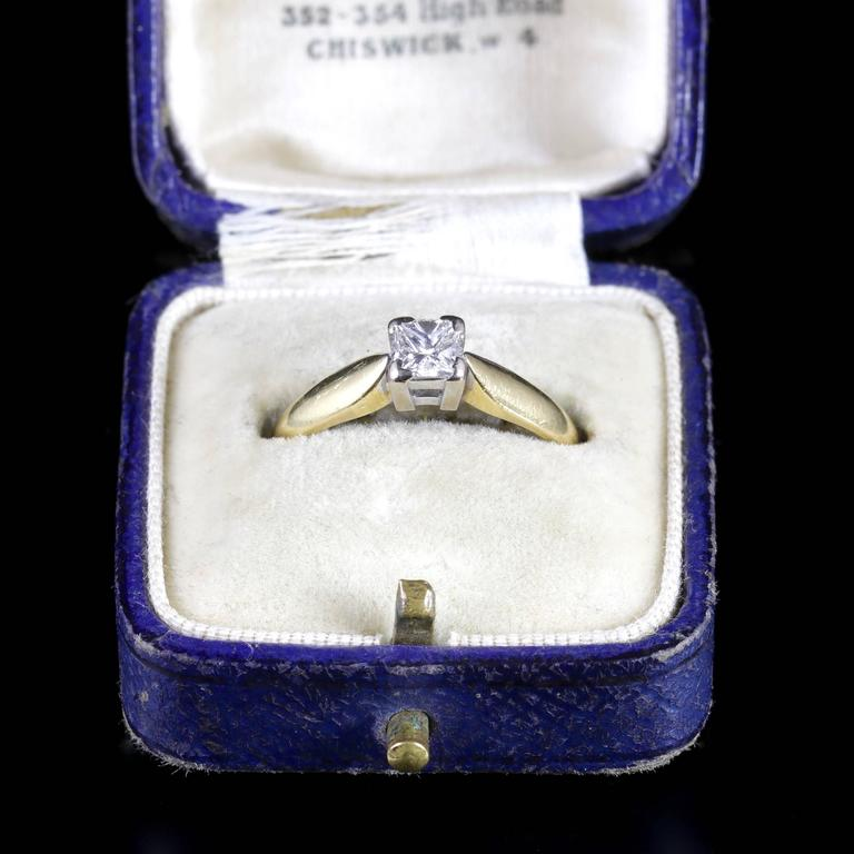 Princess Cut Diamond Solitaire Ring Engagement Ring 18 Carat Gold For Sale 2