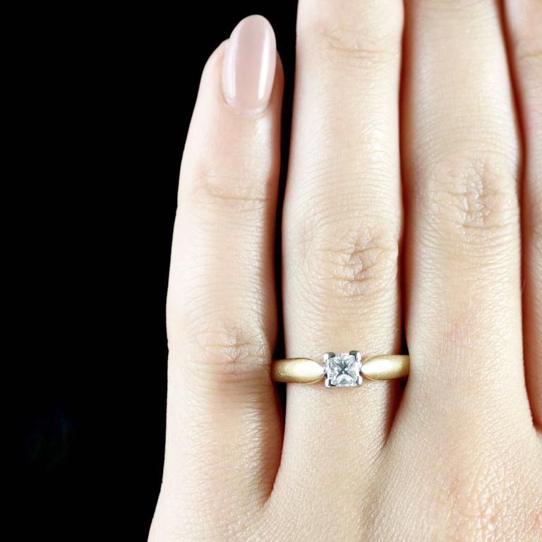 Princess Cut Diamond Solitaire Ring Engagement Ring 18 Carat Gold For Sale 3