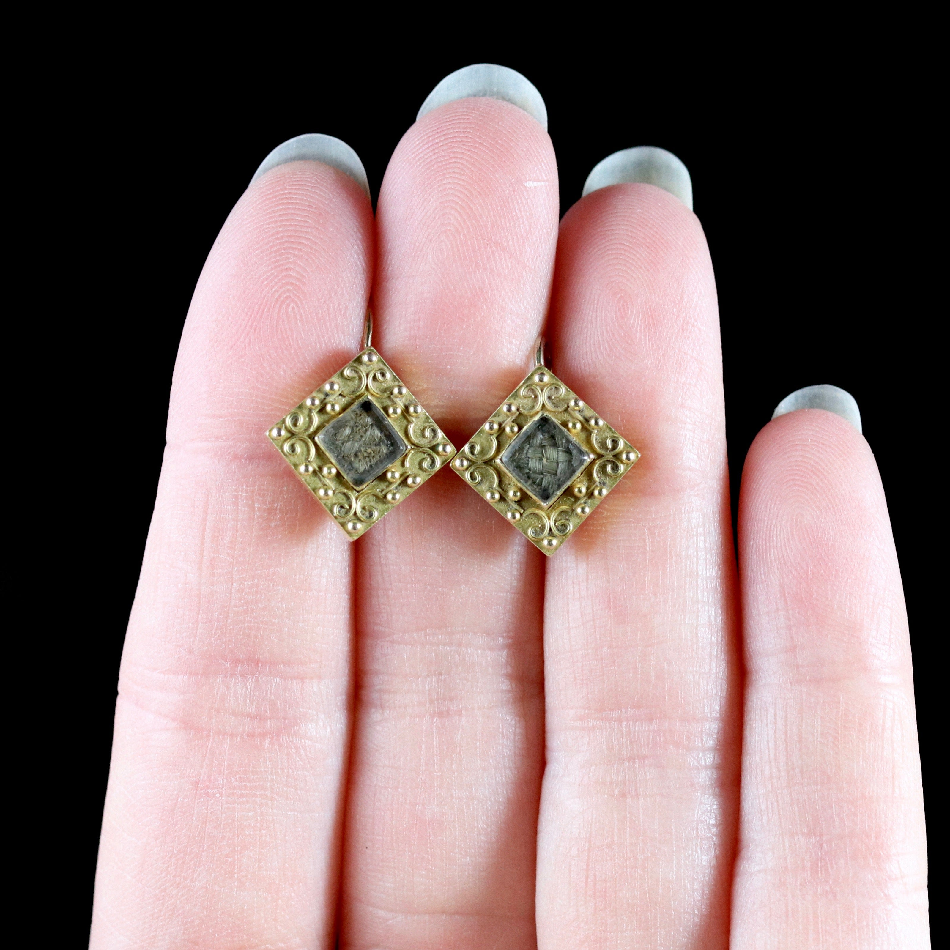 Antique Georgian Mourning 18 Carat Gold Earrings, circa 1800 For ...