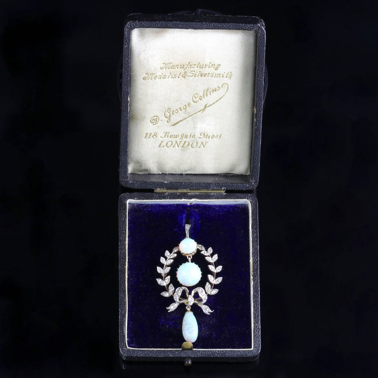 Edwardian Opal Diamond Pendant 18 Carat Gold, circa 1910 For Sale 3