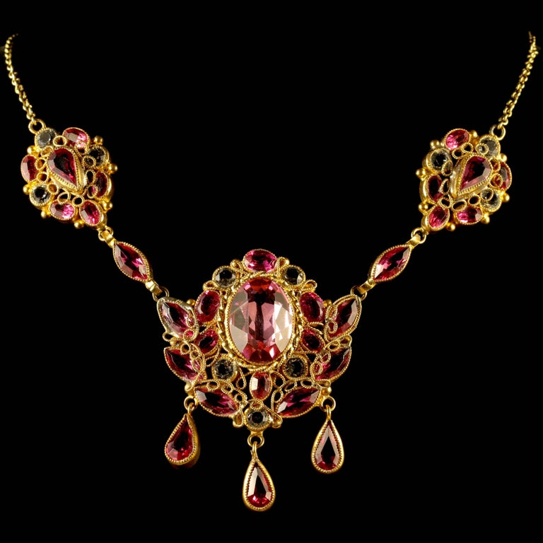 Antique Victorian Pink Paste Necklace, circa 1870 For Sale 1