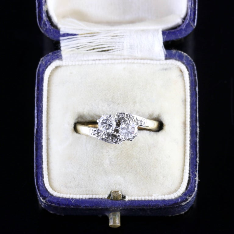 Antique Edwardian Diamond Twist Engagement Ring, circa 1910 For Sale 3