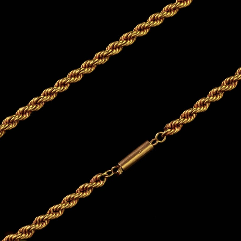 Antique Victorian Diamond Locket and Chain Necklace 18 Carat Gold, circa 1900 For Sale 3
